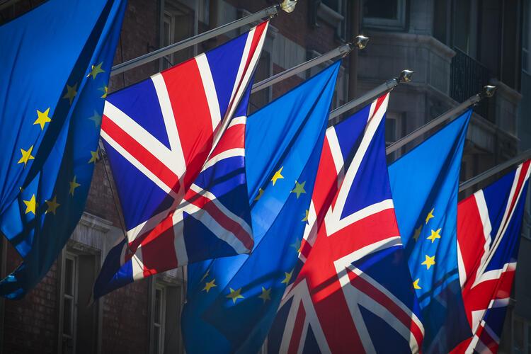 Drapeaux européens et du Royaume-Uni